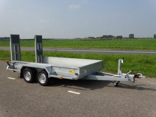 Saris-Magnum-Explorer-306-x-168-x-30cm-3000kg-met-oprijbanen