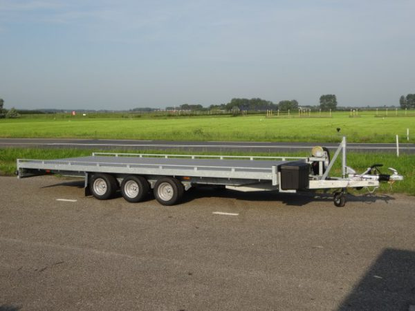 Titan-Autoambulance-V35-505-x-205cm-3500kg-tridem