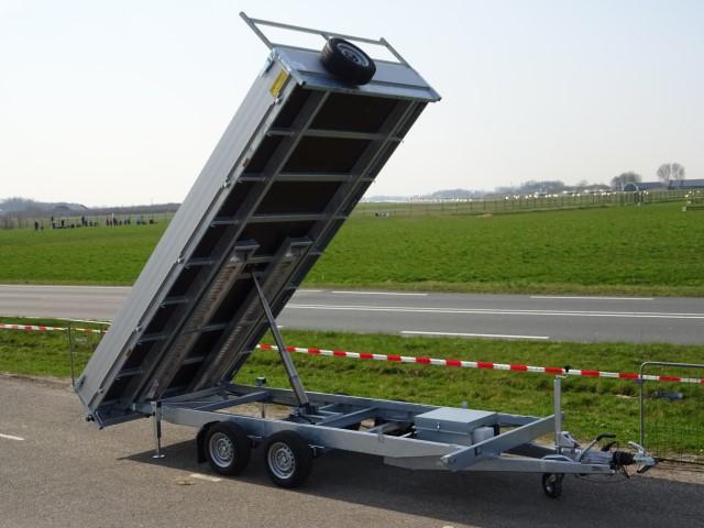 Titan-Kipper-450x200cm-3500kg-oprijbanen-8-640-x-480.jpg