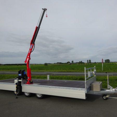 Titan plateauwagen met Maxilift Kraan