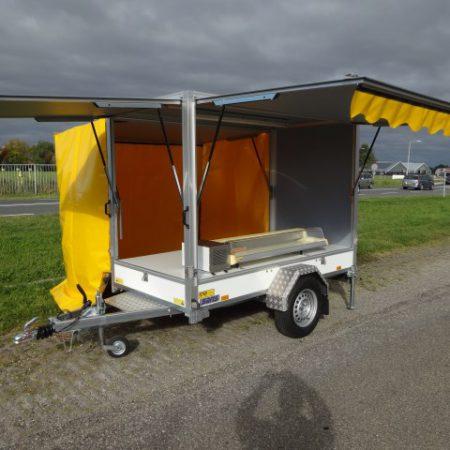 Saris DV135 verkoopwagen wit 256x134x180cm inclusief gele zeilen